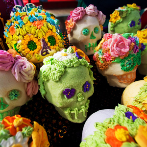 Learn more about the Day of the Dead exhibit at Las Laguna Gallery!